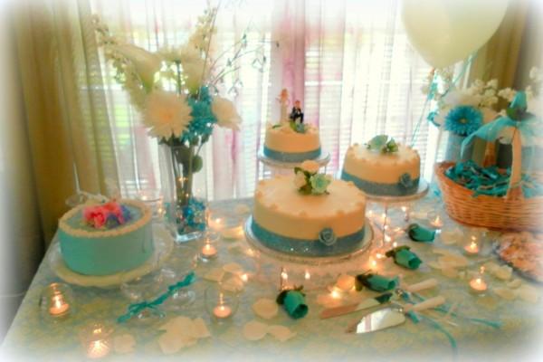 wedding cake tablescape