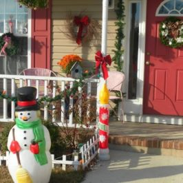 Holiday Home Tour Linky Party!!!