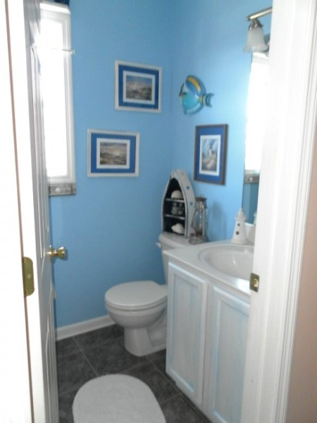 beach bathroom after
