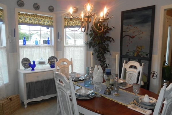 cottage blue diningroom