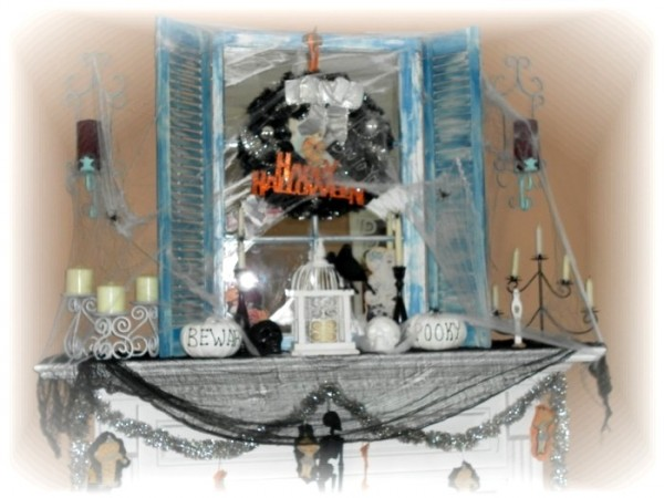 2010 Halloween Mantle