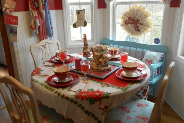 Decorating For A Vintage Style Christmas Lisa S Creative