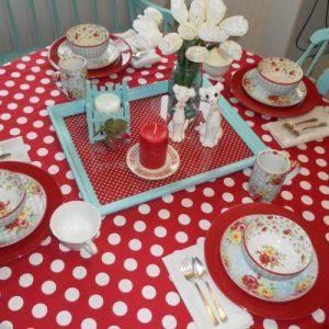 Cottage Style Tablescape
