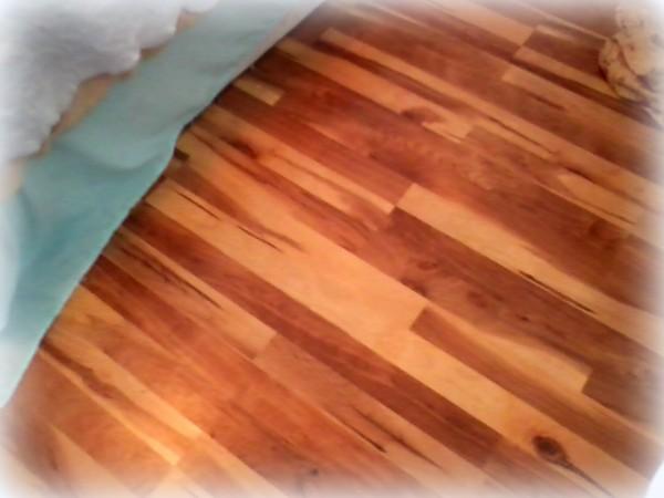 bedroom laminate floors