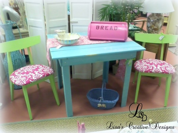 lime green chairs and beach table