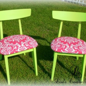A Trendy Makeover: Vintage Mid Century Mod Kitchen Chairs