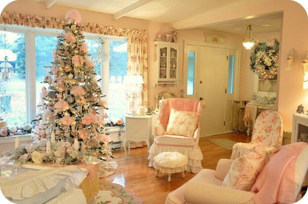 Pink Christmas Decorating
