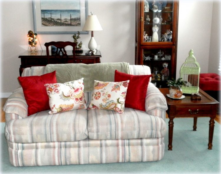 Quick and easy ways to update an old sofa - Simple ways of revamping your old sofa ...