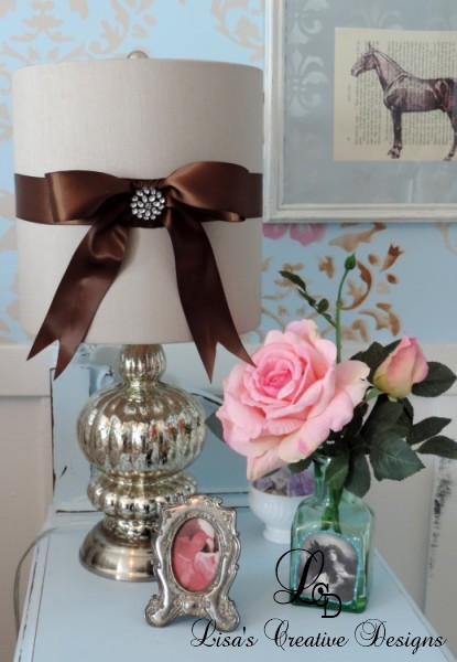 A Quick and Easy Way To Dress Up A Lampshade