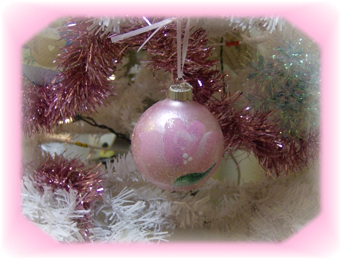 Shabby Pink Cottage Rose Glitter Ornament