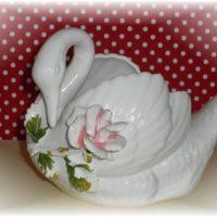 Vintage Norcrest Swan PLanter