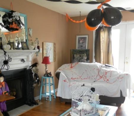 A Creepy Halloween Decorating Idea