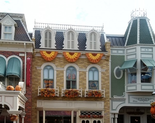 Disney World Decorated For Fall