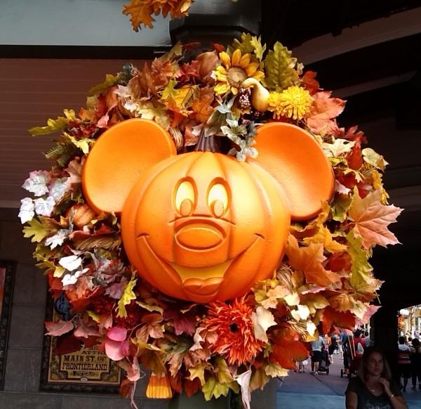 Disney Halloween Mickey Wreath