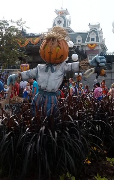 Disney Pumpkin Head Scarecrow Garden Decor
