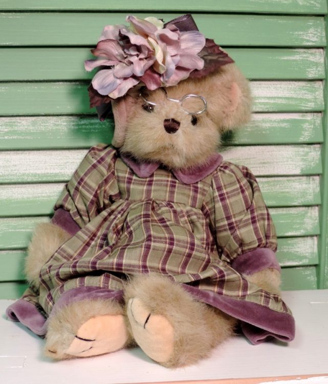 Bearington Victorian Country Bear