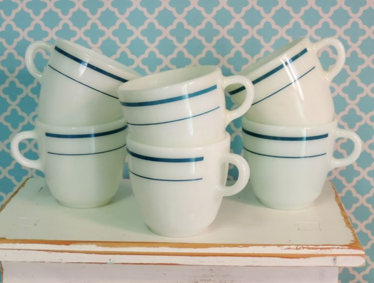 Retro Vintage Anchor Hocking Anchorware Diner Style Coffee Cups