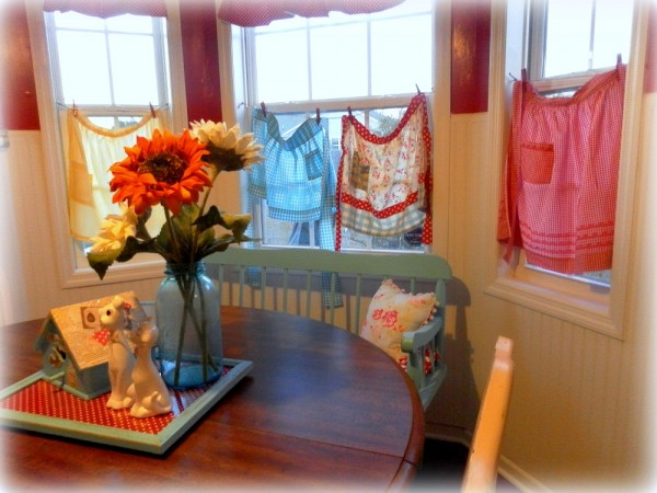 Vintage Aprons Window Treatments