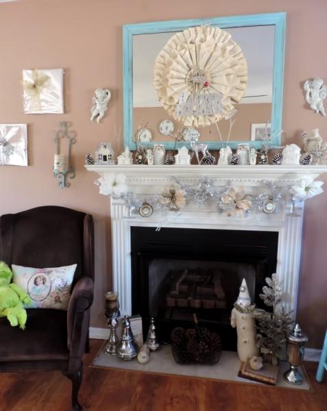 Cheap and Easy DIY Christmas Wall Decor