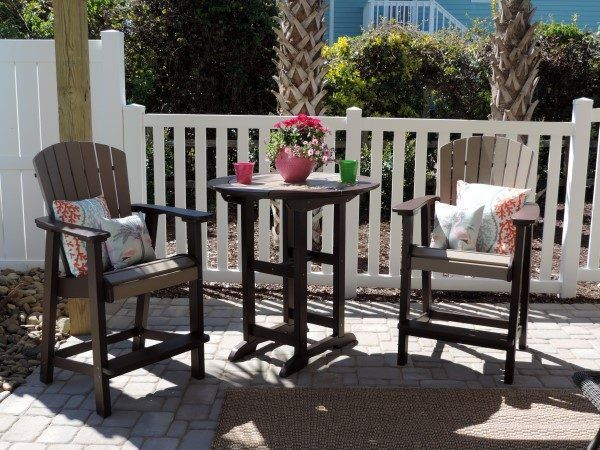 Staging For HGTV's Beachfront Bargain Hunt Renovation