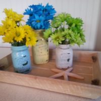 Painted Mason Jars with Daisies