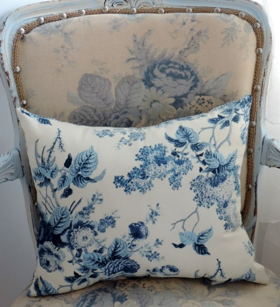 Enjoyable Handmade Blue Floral Toile Throw Pillow Machost Co Dining Chair Design Ideas Machostcouk