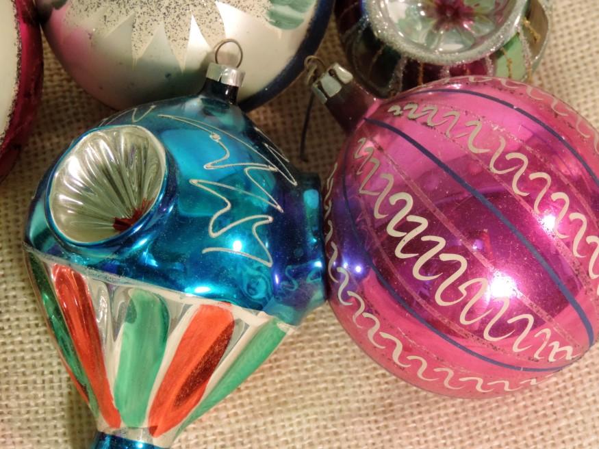 retro vintage kitsch glass christmas tree ornament set