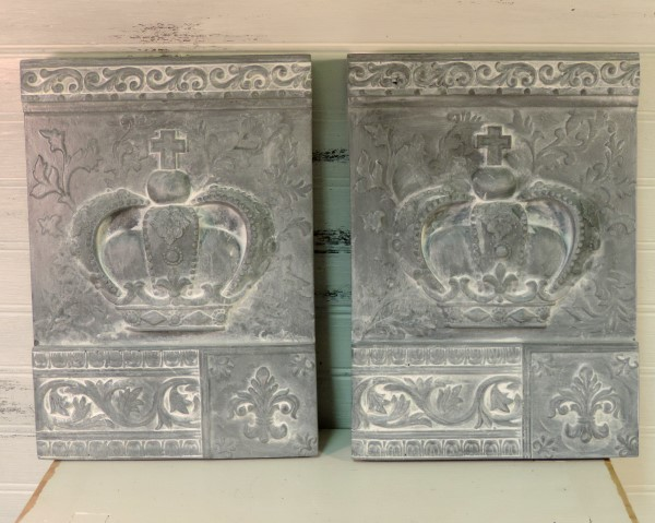 gray whitewashed royal crown plaques wall decor