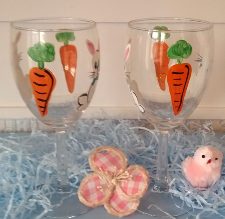 hand painted easter bunny wine glasses personalized for free. Black Bedroom Furniture Sets. Home Design Ideas