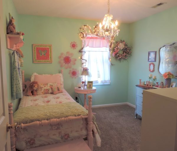 Shabby Chic Inspired Girl's Bedroom makeover