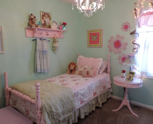 Shabby Chic Bedroom Makeover