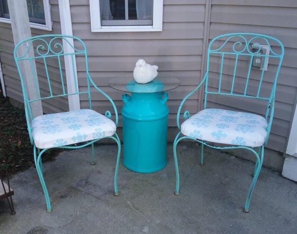 An Upcycled Outdoor Seating Area