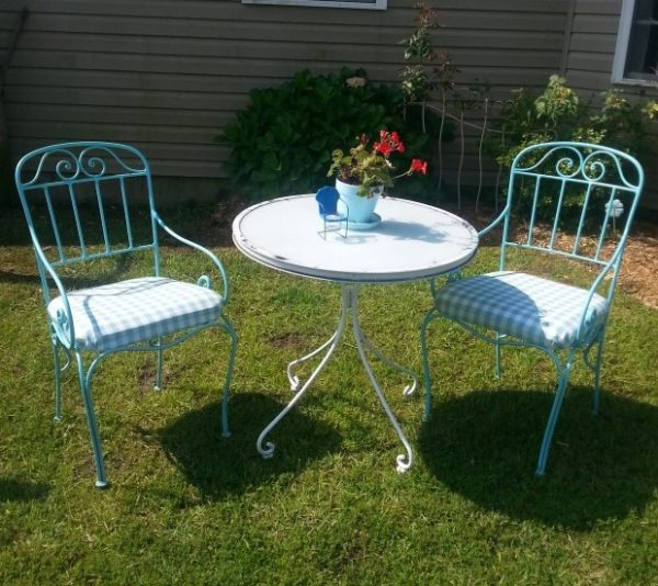 Thrift Store Outdoor Chair Makeover