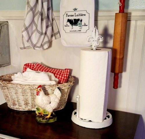 French Farmhouse Fleur de Lis Paper Towel Holder, White Distressed Painted Cast Iron, Shabby Chic French Kitchen Decor
